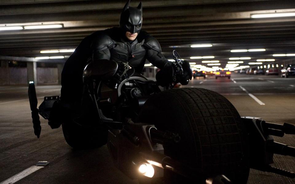 The-Dark-Knight-Rises-Batman-1800x2880[1]