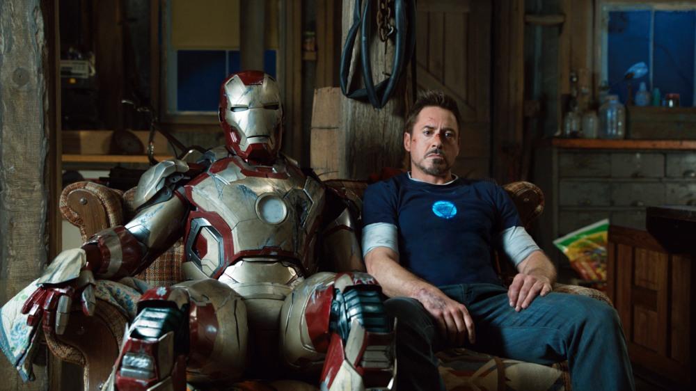 IRON MAN 3, Robert Downey Jr. as Iron Man, 2013. ph: Zade Rosenthal/??Walt Disney Pictures/courtesy Everett Collection