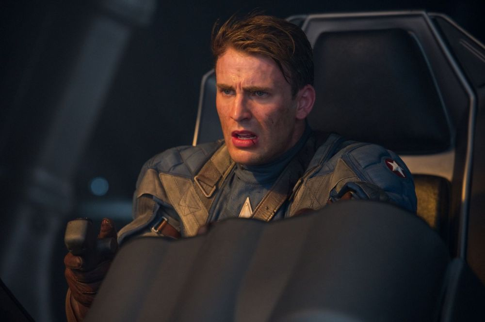 Chris-Evans-star-as-Steve-Rogers-in-Paramount-Pictures-Captain-America-The-First-Avenger-16[1]