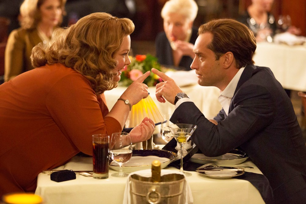 SPY - 2015 FILM STILL - Pictured: Susan Cooper (Melissa McCarthy) clearly has eyes for her partner, superspy Bradley Fine (Jude Law) - Photo Credit: Larry Horricks © 2015 Twentieth Century Fox. All Rights Reserved. Not for sale or duplication.
