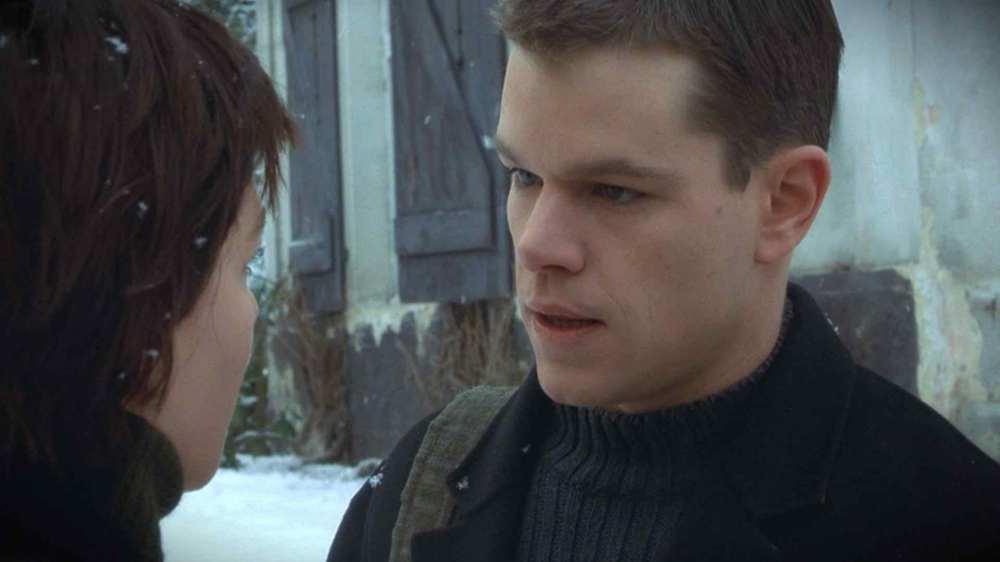Matt_Damon_in_The_Bourne_Identity_Movie[1]