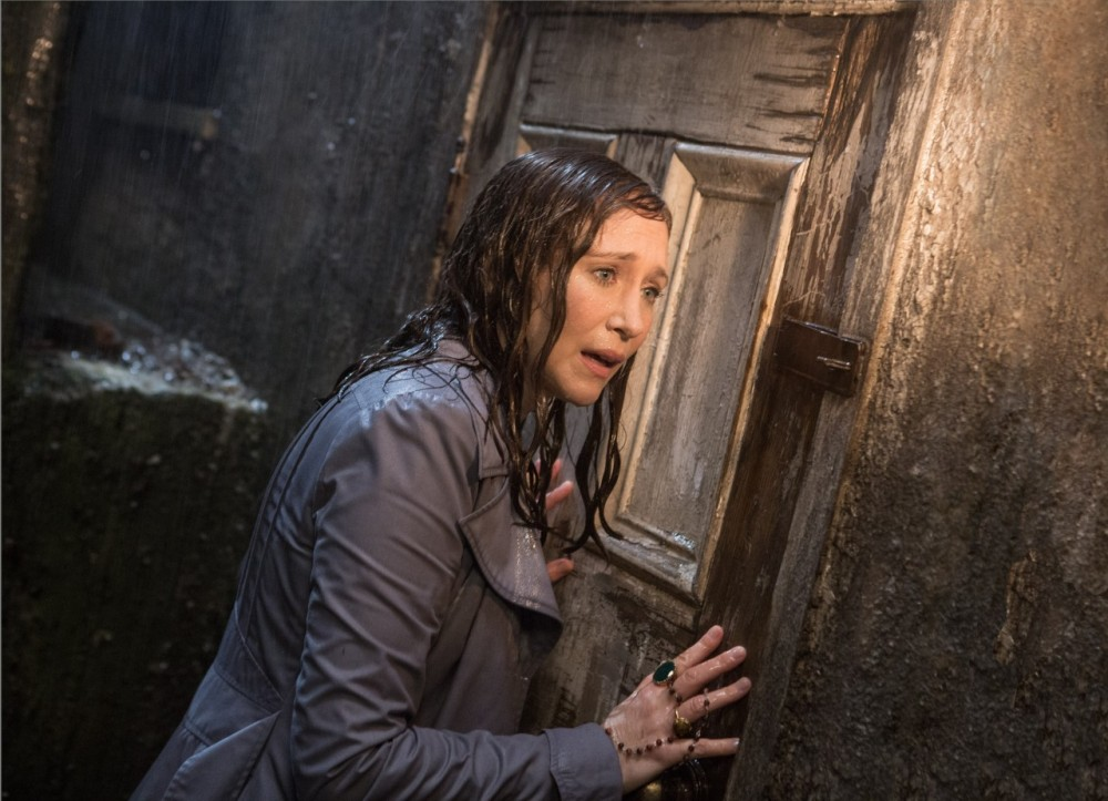 the-conjuring-2-014-1280x926[1]