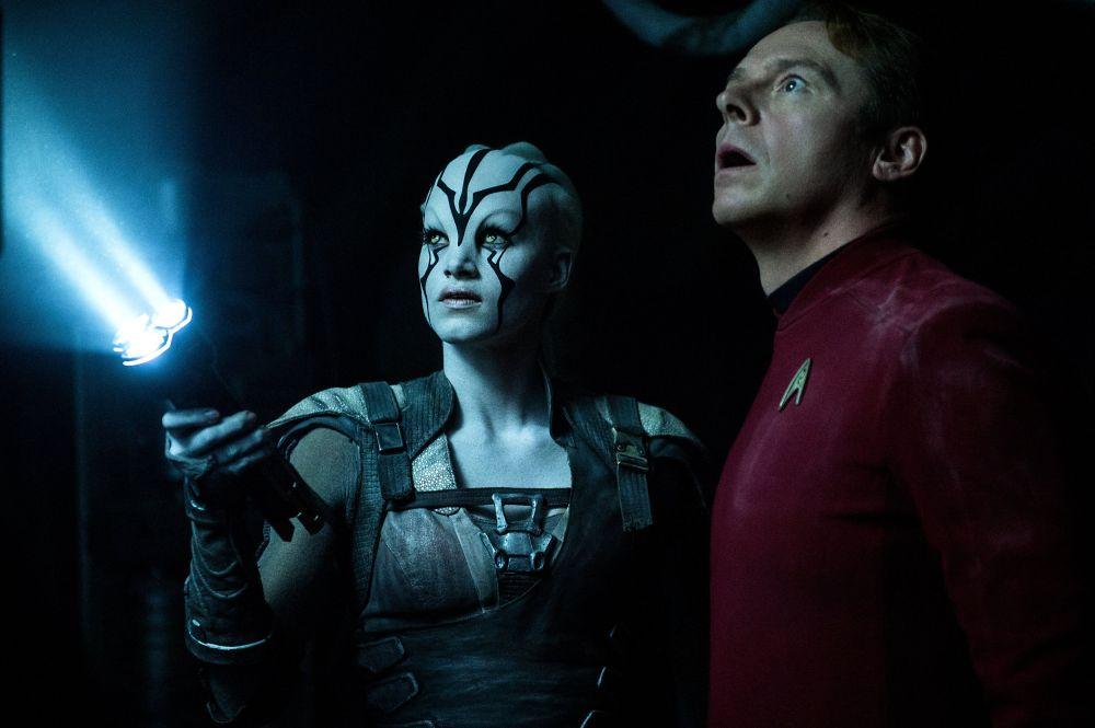star-trek-beyond-arriva-online-una-clip-con-uhura-spock-v3-265858[2]