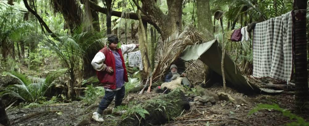 hunt-for-the-wilderpeople-camp-broken-foot1