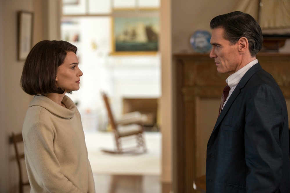 """This image released by Fox Searchlight shows Natalie Portman as Jackie Kennedy, and Billy Crudup in a scene from the film, """"Jackie."""" (William Gray/Fox Searchlight via AP)"""