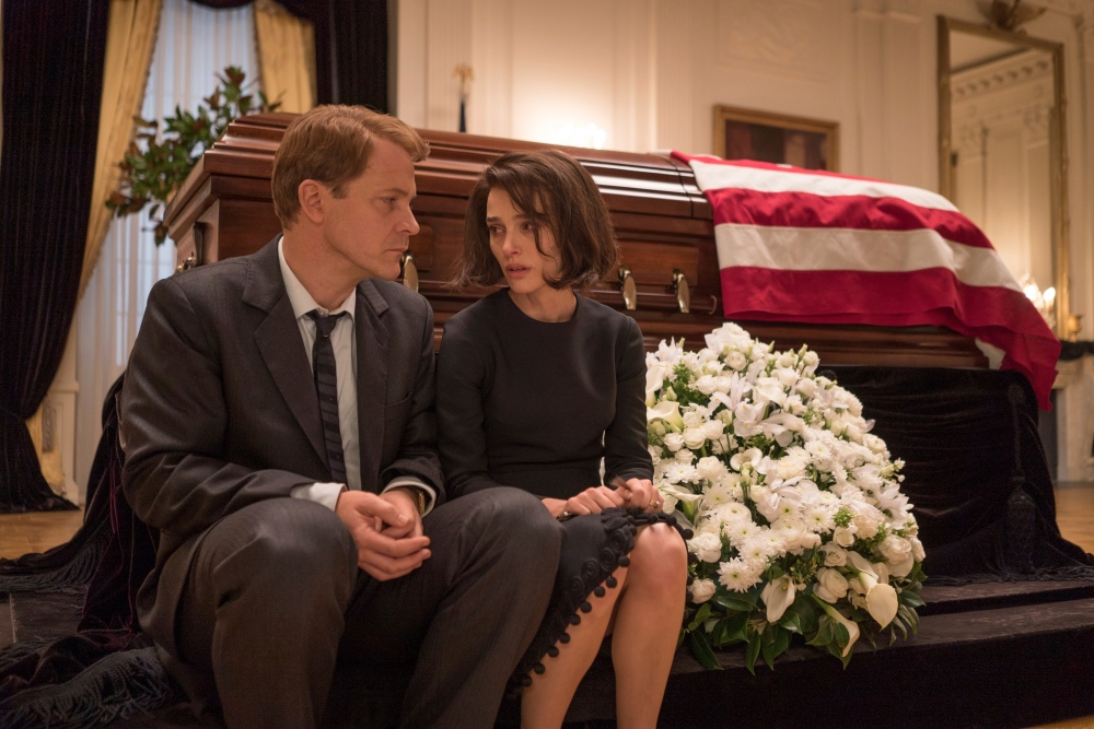 """This image released by Fox Searchlight shows Peter Sarsgaard as Bobby Kennedy, left, and Natalie Portman as Jackie Kennedy in a scene from """"Jackie."""" (Bruno Calvo/Fox Searchlight via AP)"""