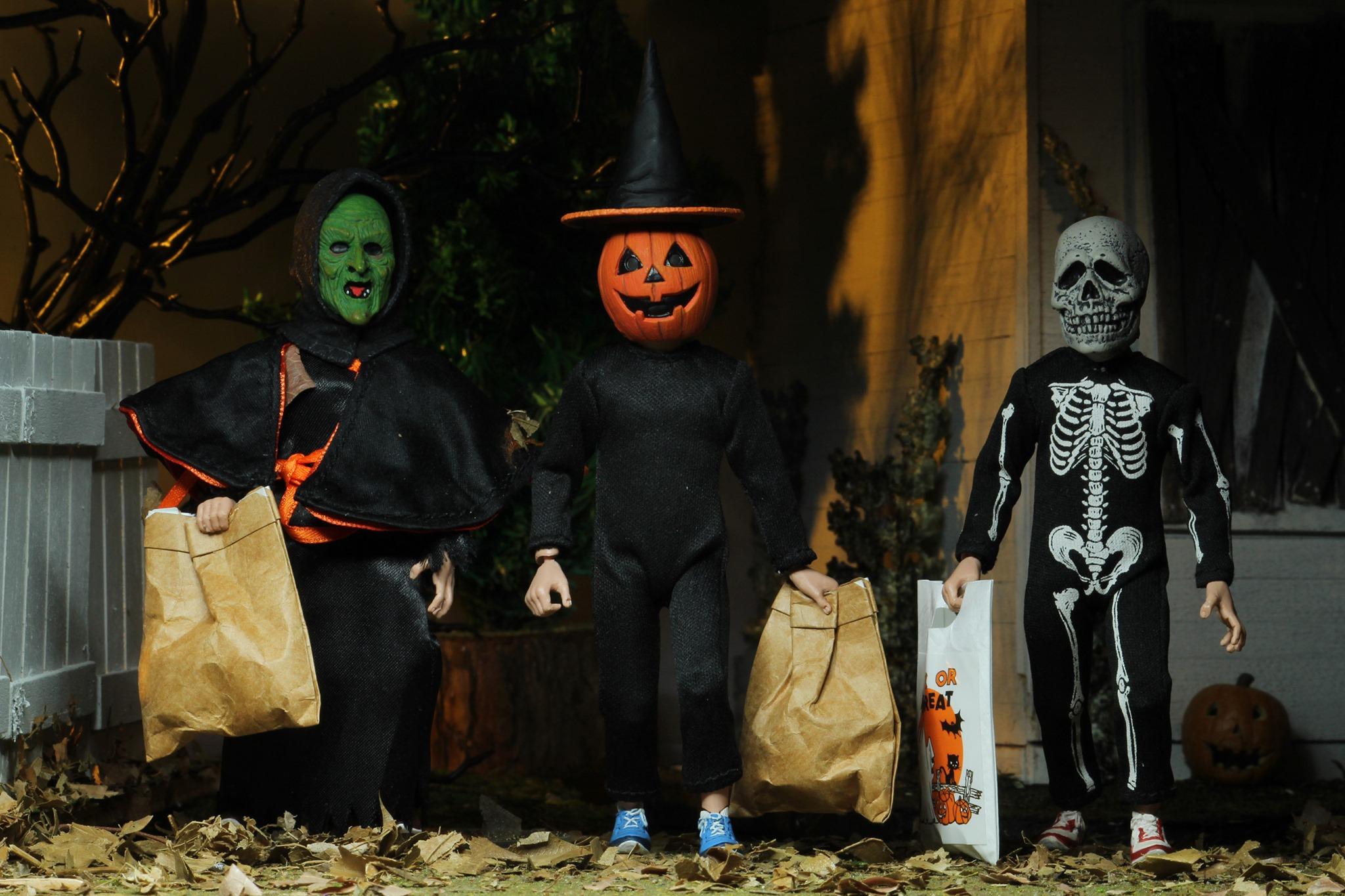 Halloween-Season-Witch-01