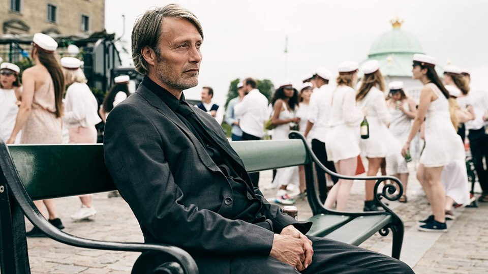 another-round-movie-film-reviews-druk-danish-2020-mads-mikkelsen