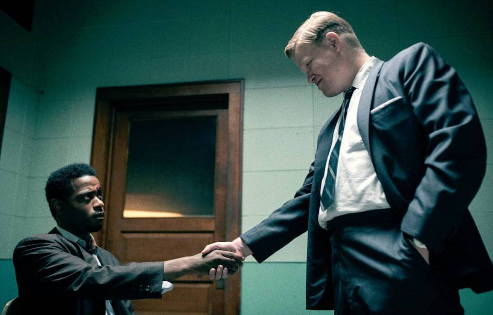 Jesse-Plemons-and-LaKeith-Stanfield-Shake-Hands-in-Judas-and-the-Black-Messiah
