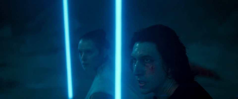 rey-and-ben-sabers-up
