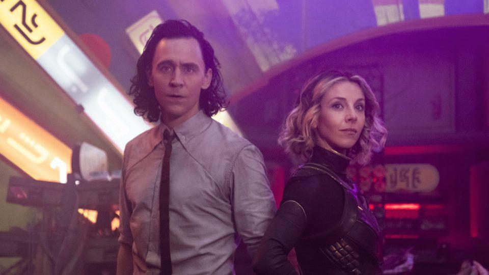 loki-episode-3-photo-Tom-Hiddleston-Sophia-Di-Martino-scaled